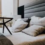 kaboompics_Bedroom, pillows